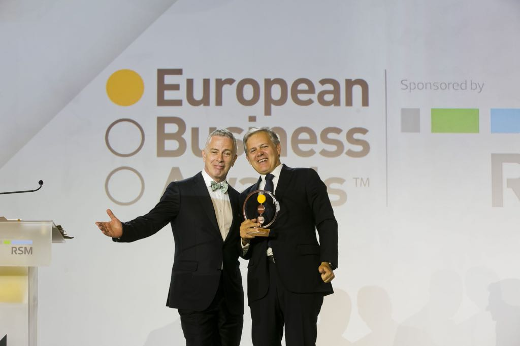 Clicars Spain triunfa en los European Business Awards